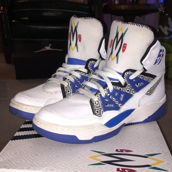 Adidas Mutombo Men s Basketball shoes. M 5a72411131a37620da16e7f0 6cd174ec6
